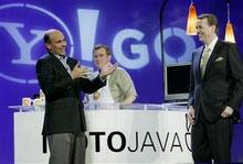 Yahoo-Motorola đưa Internet tới túi áo khách hàng