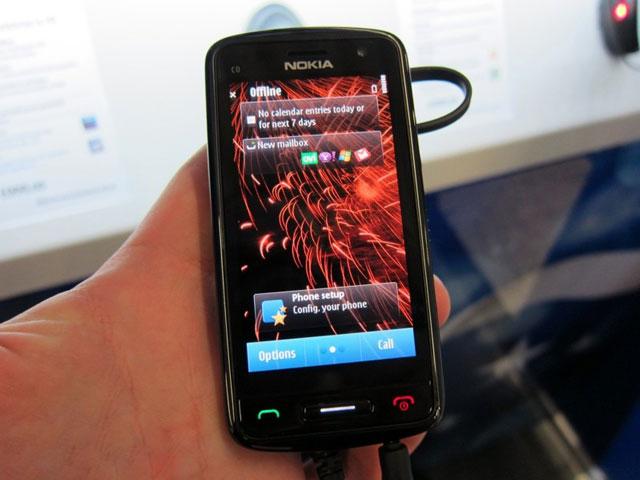 Thực tế Nokia C6-01 tại Việt Nam