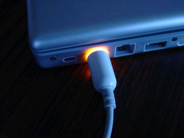 10 việc cần làm khi laptop sạc không vào
