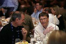 Bill Gates và thủ lĩnh Apple chạm trán trước công chúng