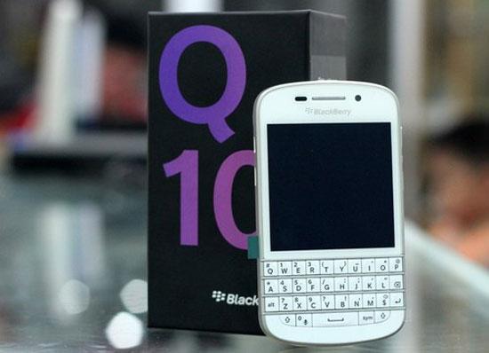 BlackBerry Q10 trắng về VN với giá 17 triệu đồng - Quantrimang com