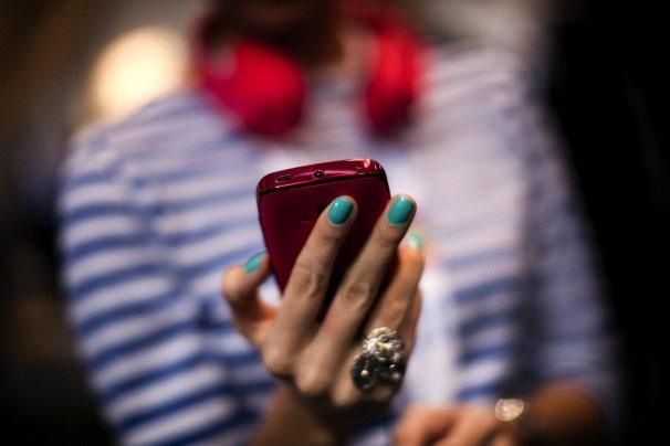 EU giảm mạnh phí dịch vụ roaming điện thoại di dộng