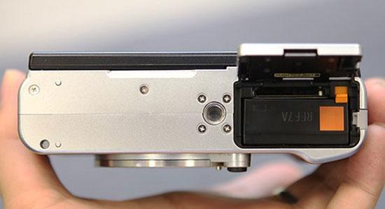 Máy ảnh mirrorless Fujifilm X-M1 về Việt Nam