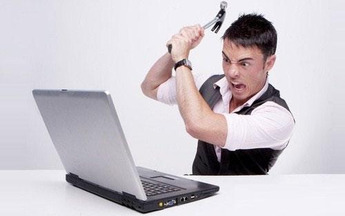 """8 thói quen người dùng """"giết"""" laptop nhanh hơn"""