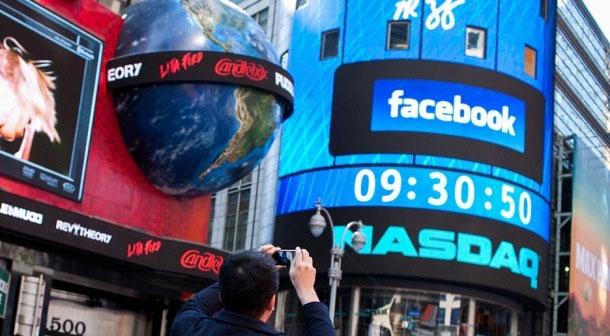 Giá cổ phiếu Facebook chính thức trở lại mốc IPO