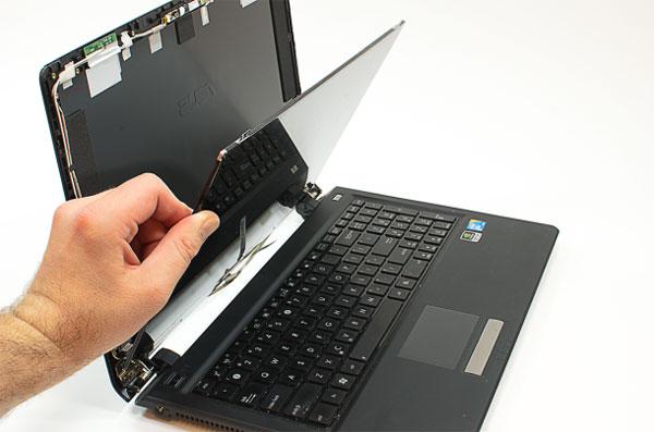 Cách tự thay màn hình laptop