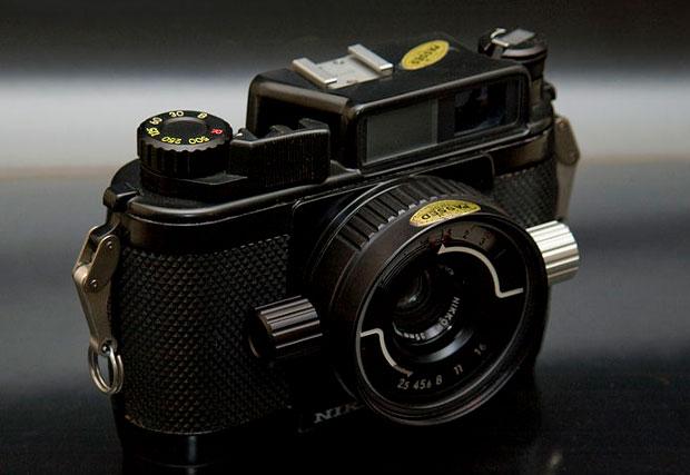 """Nikon tái sinh máy ảnh """"thợ lặn"""""""