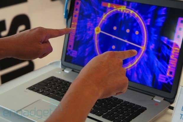 Laptop đầu tiên tích hợp cảm biến Leap Motion