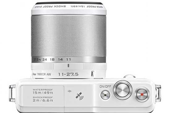 Máy ảnh số thay ống kính chống nước đầu tiên trên thế giới