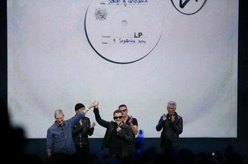 Người dùng iPhone nổi đóa với quà tặng âm nhạc từ Apple