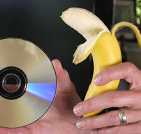 Khắc phục vết xước trên đĩa DVD bằng chuối