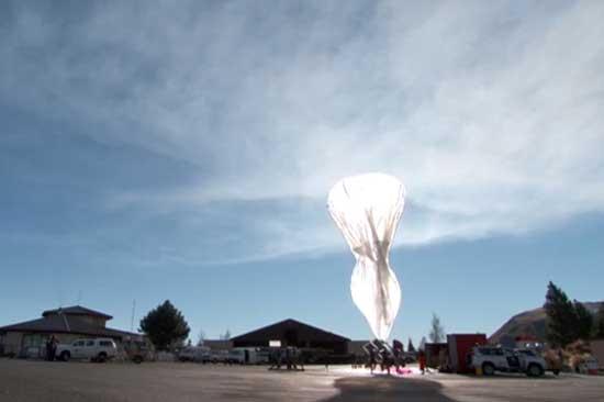 Google mô tả cách khinh khí cầu phủ Internet bay trong gió