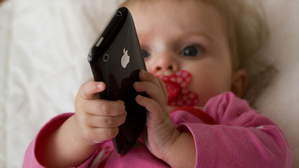 38% trẻ em Mỹ dưới 2 tuổi sử dụng các thiết bị di động