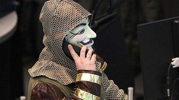 Tin tặc kiếm tỉ USD từ điện thoại cố định