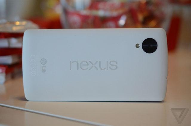Google chính thức ra mắt Nexus 5 với Android 4.4 Kitkat