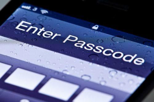 Mã PIN smartphone có thể lộ vì camera và microphone