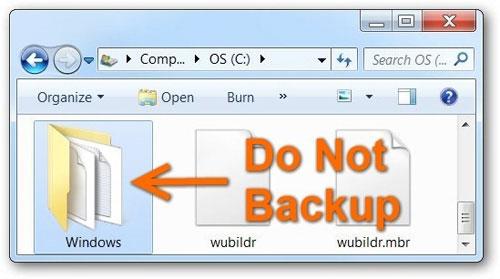 Những file nào trên máy tính cần được sao lưu?