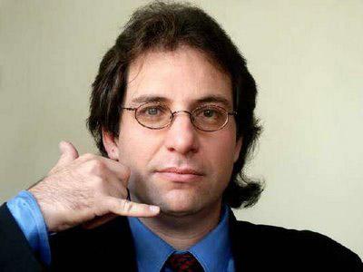 Kevin Mitnick khi còn trẻ