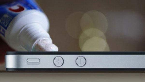 Cách hồi sinh cho những chiếc smartphone bị xước màn hình - 5654