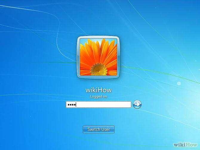 Gõ mật khấu sau đó ấn 'Enter' để đăng nhập vào máy tính.