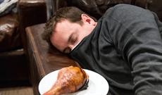Những cách đơn giản để tránh buồn ngủ sau khi ăn