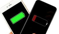 Đừng, và chính xác là không bao giờ nên để điện thoại xuống 0% pin!