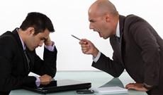 """Đừng nói với sếp những điều này nếu bạn không muốn """"out"""" sớm"""