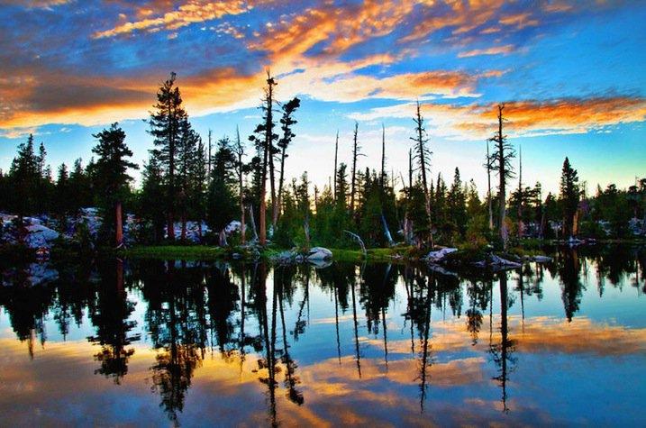 Chụp ảnh phong cảnh bầu trời huyền ảo với 5 mẹo sau