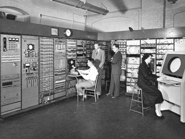 Máy tính ngày xưa