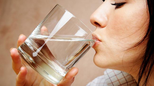 Nên uống nước sau khi thức dậy