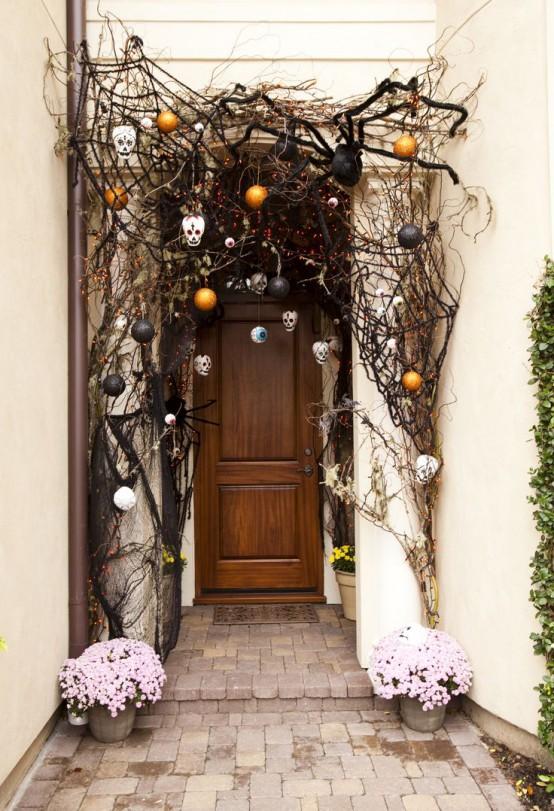 Trang trí cửa ra vào dịp Halloween