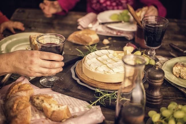 Những lưu ý khi trên bàn ăn