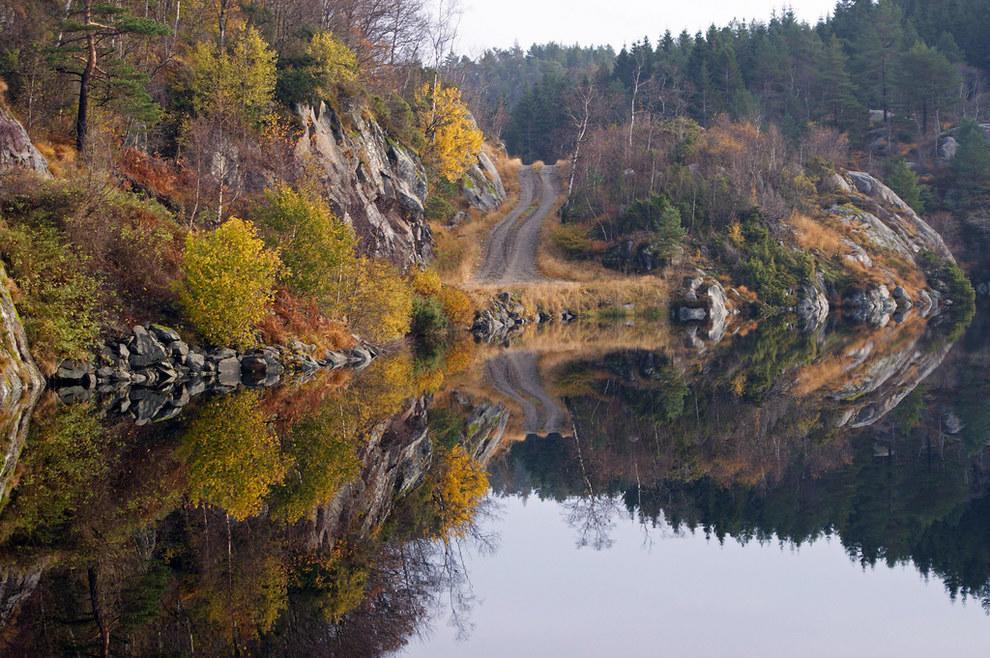 Cảnh phản chiếu trên mặt nước nghĩa là bạn được nhìn thấy gấp đôi cảnh đẹp