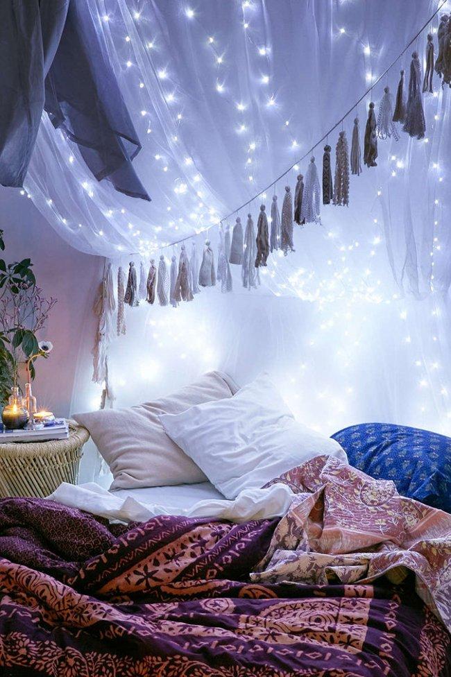 Nâng cấp thêm phần ngọt ngào cho giấc ngủ của bạn khi trang trí đèn trên rèm ngủ
