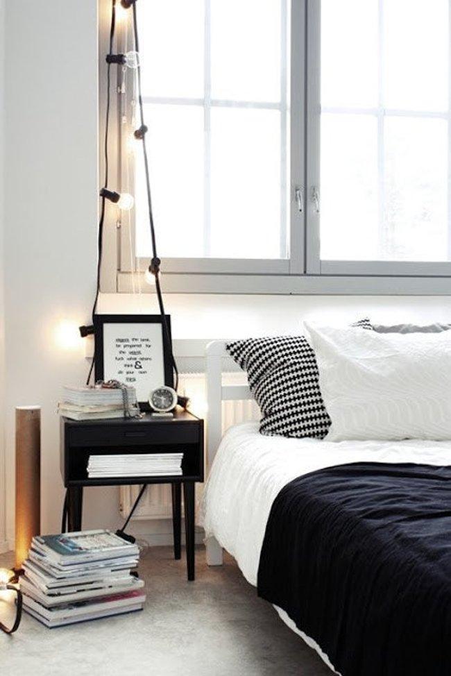 Treo bóng đèn trên đầu giường theo cách này sẽ giúp bạn có một cây đèn ngủ mới siêu tiện ích