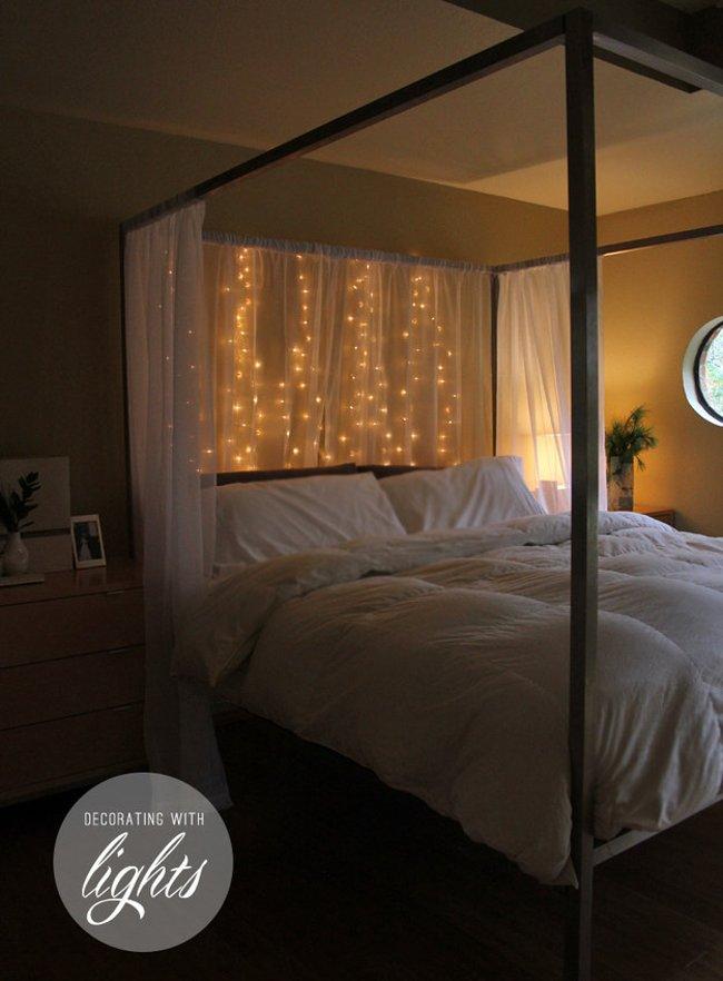 Hay chỉ là treo một vài sợi đèn LED ở góc đầu giường ngủ để có ánh sáng ấm cúng