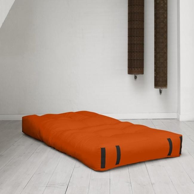 Một chiếc đệm đôi có thể biến thành một chiếc ghế sofa tuyệt đẹp