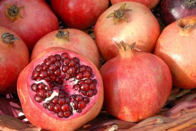 Người Thổ Nhĩ Kỳ coi lựu là loại quả đem lại may mắn