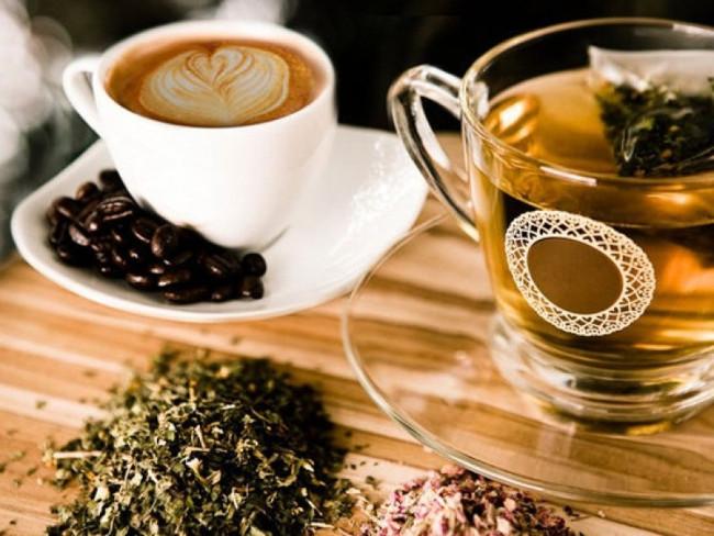Không uống quá nhiều cà phê, trà đặc, đồ uống có ga