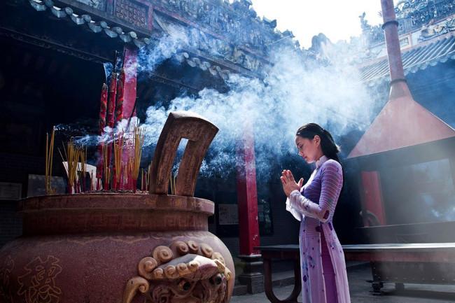 Cách hành lễ khi đi chùa