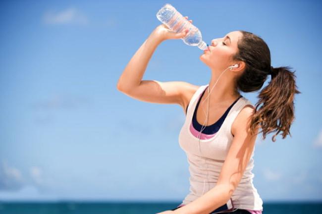 Cung cấp cho cơ thể thật nhiều nước