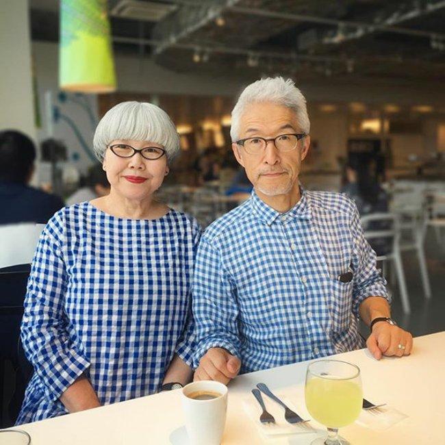 Kết hợp trang phục kẻ caro xanh