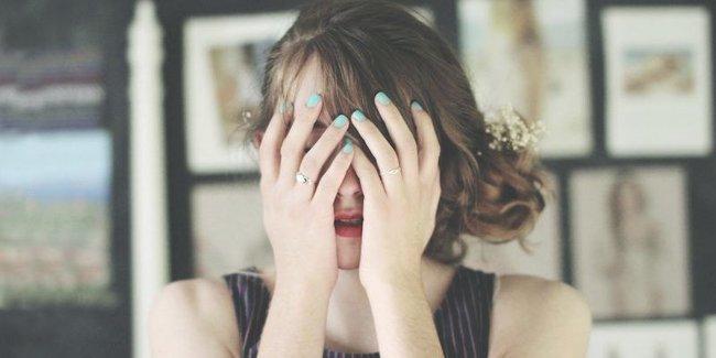 Khi yêu, phụ nữ thường chọn nghe theo cảm xúc hơn là lý trí