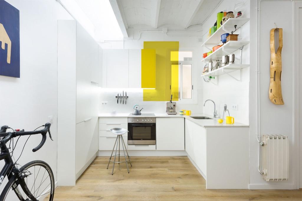 Bếp Barcelona này sử dụng màu trắng tinh khiết làm nền