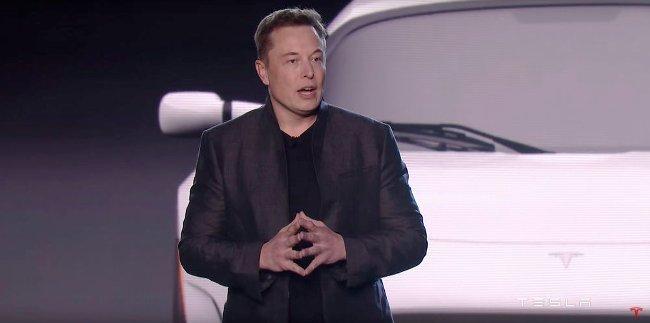 Elon Musk đề nghị dùng bom hạt nhân ở sao Hỏa