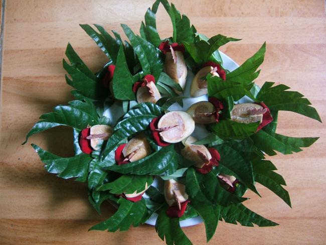 Hương, hoa tươi, trầu cau