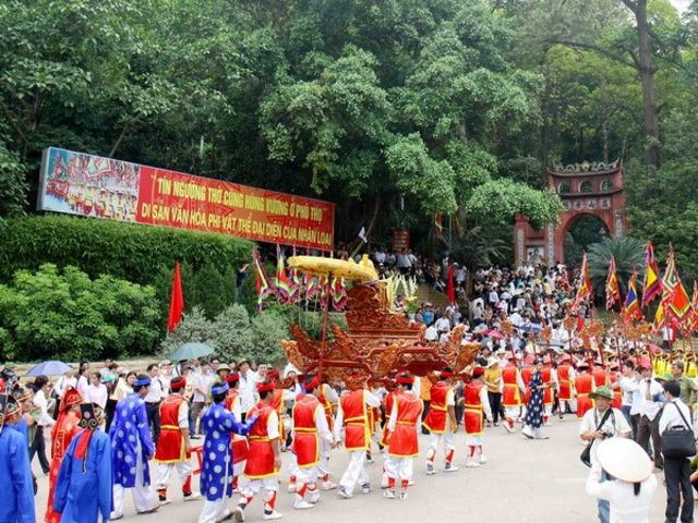 Phương tiện di chuyển đến đền Hùng