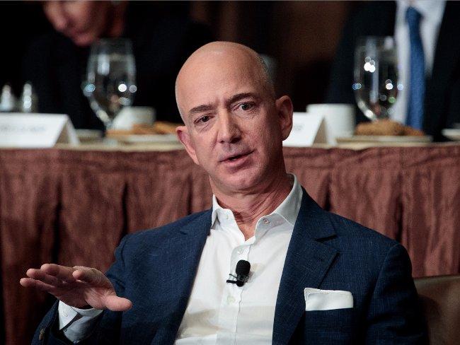 Khách hàng không hài lòng có thể gửi email trực tiếp cho Jeff Bezos