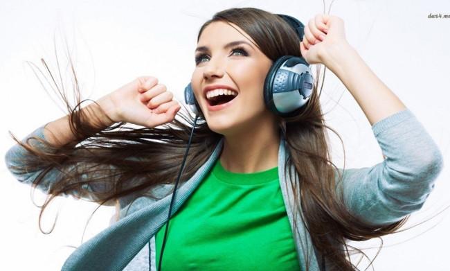 Nghe những bản nhạc bạn yêu thích