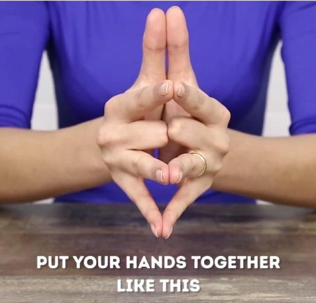 Bạn có biết vì sao nhẫn cưới luôn được đeo ở ngón áp út không?